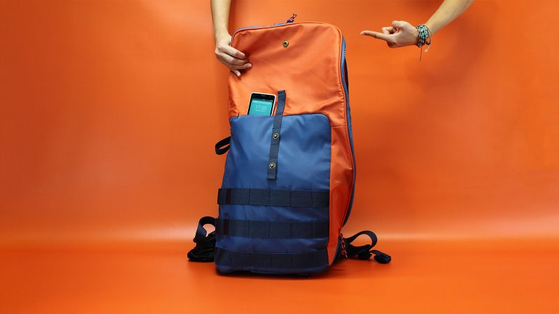 All the bags hide a smartphone secured pocket